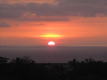 Wailea condo rental - Spectacular sunsets from lanai