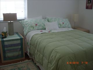 Old Naples house photo - One of two guest bedrooms