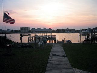 WATERFRONT And Convenient 2 BR Vacation House For Rent In Wrightsville Beac
