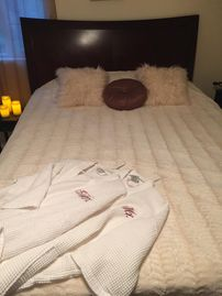 Crestline cabin rental - downstairs bedroom, robes for Mr and Mrs