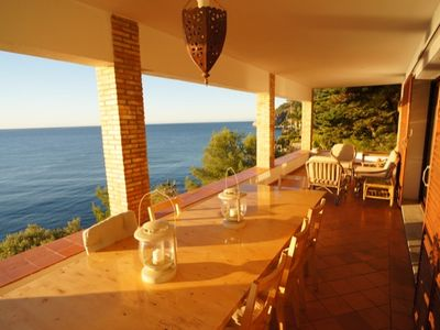 directly on the sea, private swimming area, 2 pools, incredible views, garden