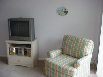 TV/DVD in the livingroom and bedroom.