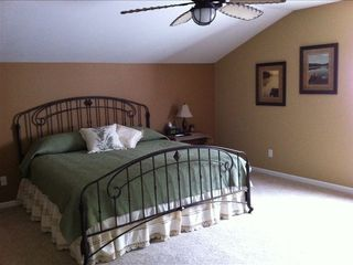 Camdenton condo photo - Fourth guest bedroom off the loft area with king size bed