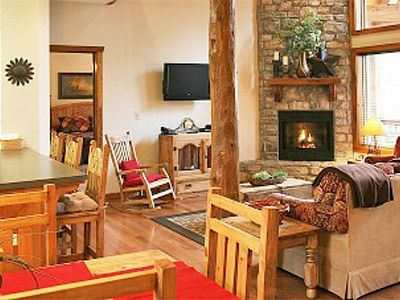 Branson lodge rental - Bright Wide Open Floor Plan