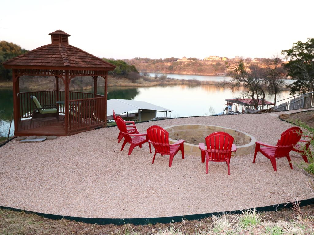 Hill Country Lake House on Lake Travis,  Lake Front, Yes we have Water