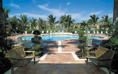 Naples condo rental - Clubhouse Pool