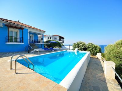 House with character, private swimming pool and great view