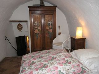 Montfort castle photo - Main building bedroom with vaulted ceiling and en suite full bath.