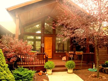 Show Low cabin rental - Front door and FRONT covered deck