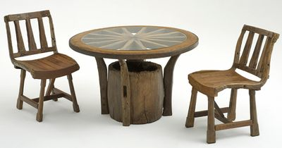 Sandy house rental - great rustic furniture!