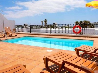 Villa OAHU in Puerto del Carmen for 6 persons with pool, terrass, garden, WIFI on the go and less than 100m to the sea