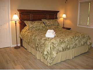 Kingsize bed in Master bedroom