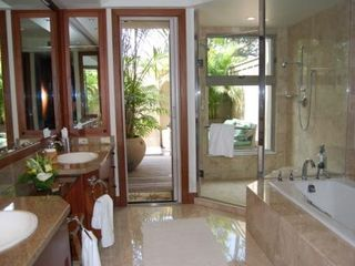 Four Seasons Hualalai villa photo - Master Bathroom