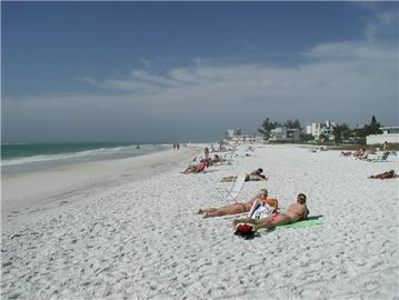 World Famous Crescent Beach with Powder White Sand - 2-3 minutes away...