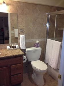 bathroom off of twin/trundle bedroom