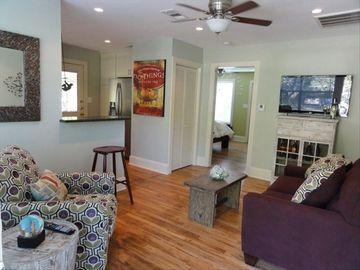 Austin bungalow rental - Stunning Open central living area with great natural light, charm and character!
