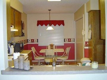 Hot Springs Village townhome rental - Kitchen