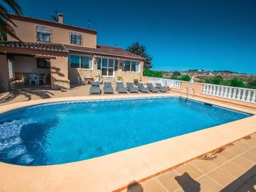 Finca Palacios - comfortable holiday accommodation in Benissa
