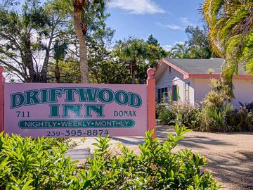 Welcome to Driftwood Inn