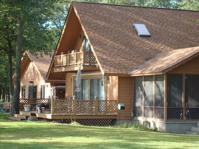 5 bedroom lakehouse gorgeous sandy beaches vrbo for Fishing cabin rentals wisconsin