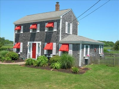 Fantastic Beach House just steps from Craigville Beach