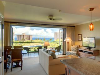 "Lahaina condo photo - Large living room with 42"" Flat Screen TV"