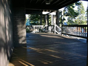 Cedar Flat cabin rental - Large front deck, plenty of room for the whole family!