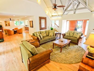 Very spacious living area is great for large groups!