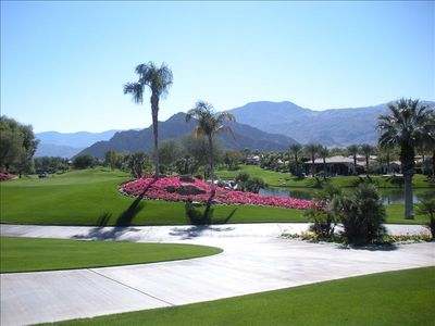 Rancho la Quinta offers magnificent views over the Santa Rosa mountains.