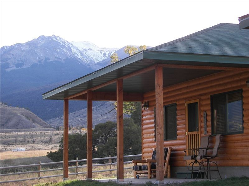 Yellowstone park riverfront cabin vrbo for Cabin yellowstone park