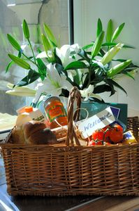 Coldstream cottage rental - Welcome hamper