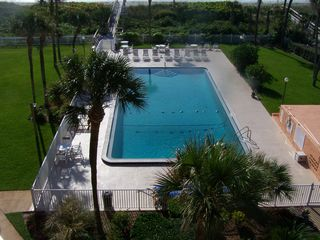 Cocoa Beach condo photo - Pool & beach walkway
