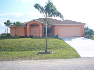 Cape Coral house photo - small plantings from 2007