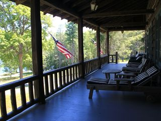 Lake Wallenpaupack lodge photo - Lakefront Porch