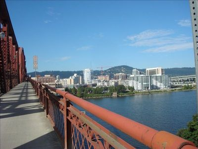 Walk to the Pearl and downtown Portland.