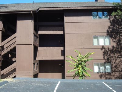 Bldg 2: Condo is only 5 steps down from parking lot!