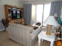3 bed/3 bath - Beachfront -6th fl - sleeps 8 Free Beach Service