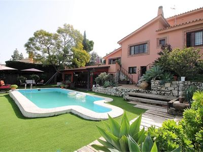 FANTASTIC VILLA NEAR THE BEACH WITH PRIVATE SWIMMING POOL. TO 5 MIN. FROM THE AIRPORT
