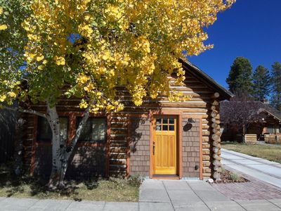1br cabin vacation rental in west yellowstone montana for Yellowstone cabins west yellowstone