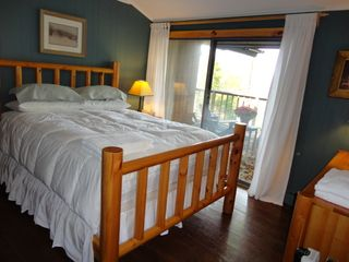 Stratton Mountain house photo - Guest Bedroom With Queen Bed and Bathroom
