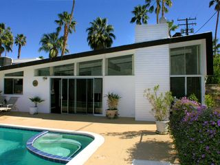 Palm Springs house photo - Butterfly roofline with clerestory windows