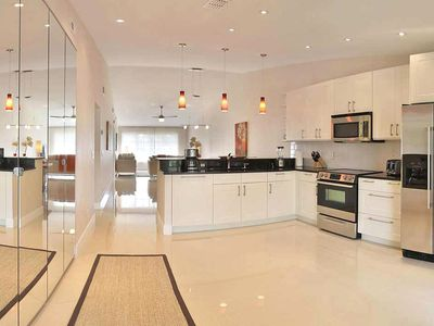 Winter Park Naples Stylish Modern 2nd Floor Vacation Rental
