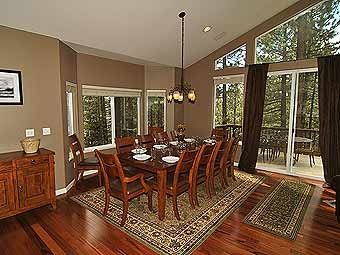 Large dining room table, perfect for family get togethers.