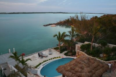 Waterfront home with many activities:kayaking, snorkelling, swimming, fishing...