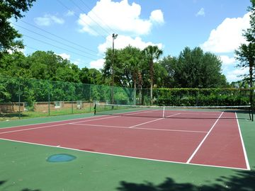 Free Tennis Court 5 mins walk