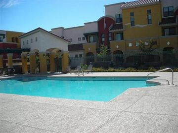 Chandler townhome rental - Beautiful Large Pool Area