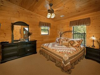 "Pigeon Forge cabin photo - Bedroom #2 Upst w/gr8 Views, Private bath, space with seating 32""LED TV"