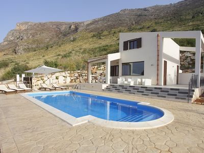 VILLA DANIELA with pool and sea view