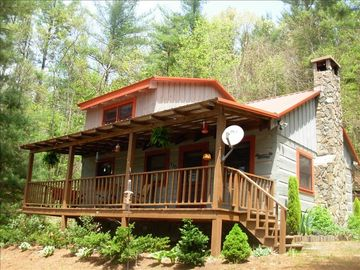 Boone cabin rental - Private Wooded Setting