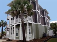 New!  Luxury Gulf view home,  3 King Beds, Bunks , Pool, WiFi!